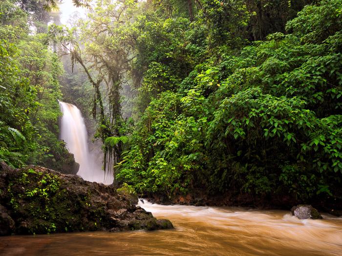 Lapaz-waterfall-luminar